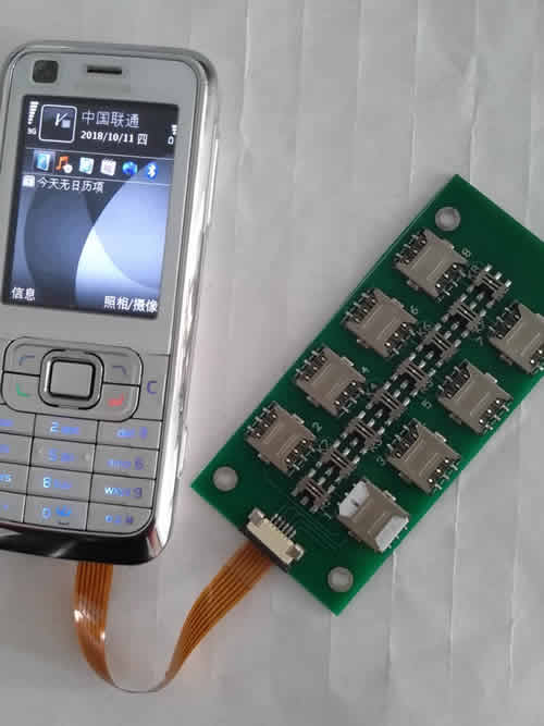 8 simcards extension device for Batch text message delivery and receiving.Switching simcards on the fly. Multi-language mobilephone provided.
